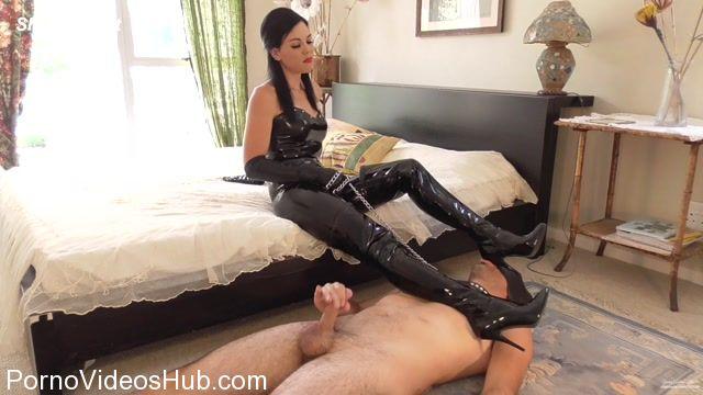 Clips4sale_-_Young_Goddess_Kim_presents__Merciful_Mistress.mp4.00009.jpg