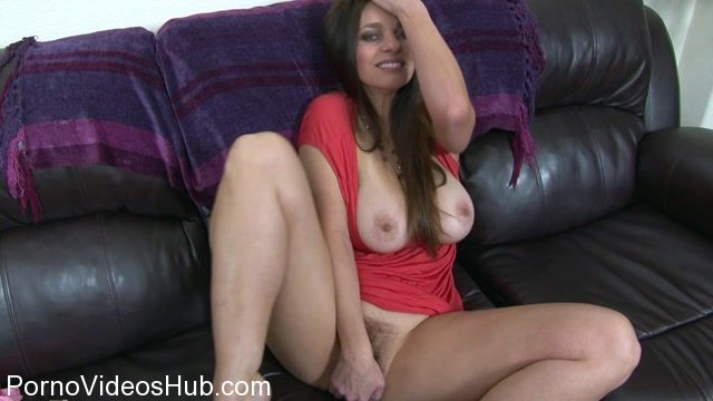 Clips4sale_presents_Mindi_Mink_in_Mom_Fucks_You_In_Front_Of_Dad.mp4.00007.jpg