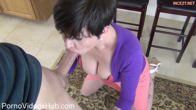 Clips4sale_presents_Mrs_Mischief_in_Moms_Magical_Mouth.mp4.00002.jpg