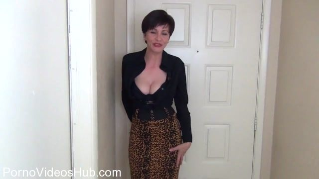 Clips4sale_presents_Mrs_Mischief_in_New_Neighbor_Wrecks_You_In_The_Foyer.mp4.00003.jpg
