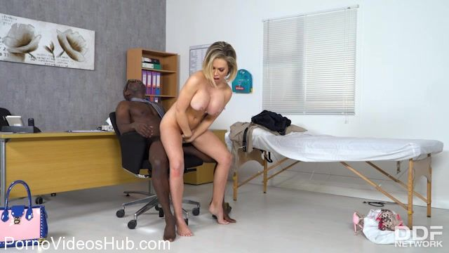 Watch Online Porn – DDFNetwork – DDFBusty presents Chessie Kay in Slutty Patients Tits Examination – 25.11.2017 (MP4, SD, 640×360)