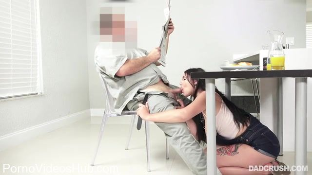 Watch Online Porn – DadCrush presents April Dawn in My Stepdaughter The Sex Slave – 12.11.2017 (MP4, SD, 640×360)