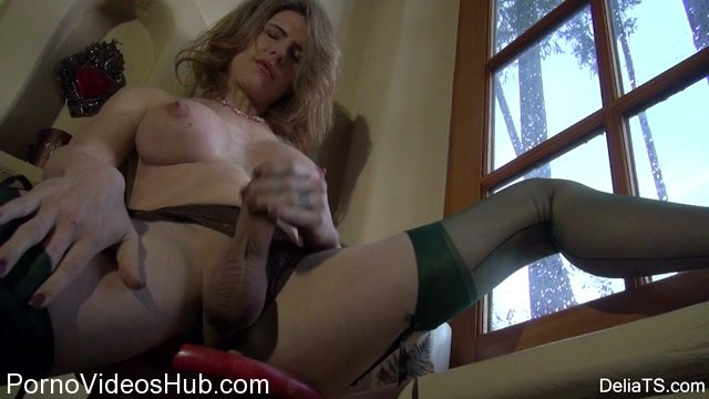 DeliaTS_presents_Delia_Ts_in_Solstice_Stockings_-_24.11.2017.mp4.00007.jpg