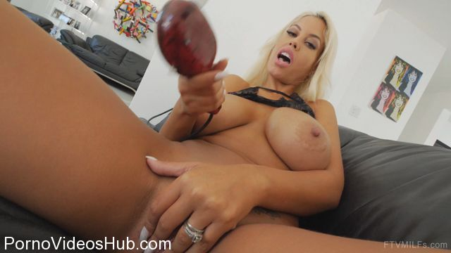 FTVMilfs_presents_Bridgette_in_Sexual_Stunner_-_That_Alluring_Figure_3.mp4.00015.jpg