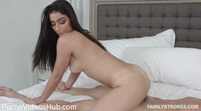 FamilyStrokes_presents_Jasmine_Vega_in_Officially_A_Fucking_Family_-_02.11.2017.mp4.00010.jpg