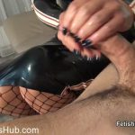 Fetish Liza in Latex lovers slippery handjob