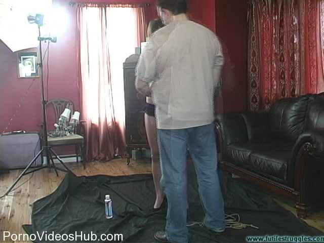 Watch Online Porn – FutileStruggles presents Abigail Whitaker – Bitchy Model Taught a Lesson (MP4, SD, 640×480)
