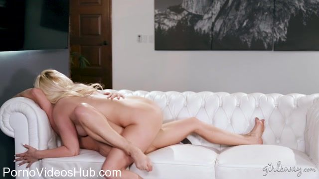 Watch Online Porn – GirlsWay presents Cherie DeVille, Lexi Belle in Giving Into Temptation – 13.11.2017 (MP4, FullHD, 1920×1080)