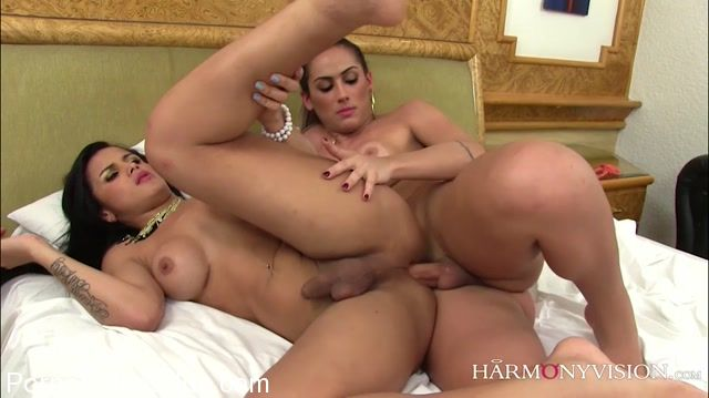 Watch Online Porn – HarmonyVision presents Juliana Souza, Bruna Butterfly in Shemale Vs Shemale – 30.11.2017 (MP4, SD, 1040×584)