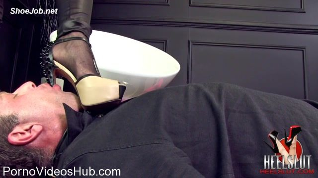 Heel_Slut_presents_Her_New_Studded_Heels.mp4.00006.jpg