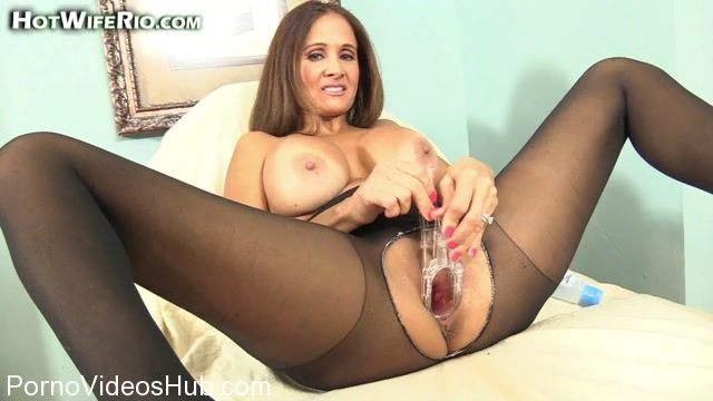 Watch Online Porn – HotWifeRio presents 20170703 PUSSY STRETCHING (MP4, FullHD, 1920×1080)