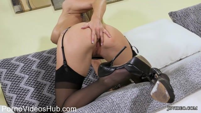 Jbvideo_presents_CHRISTIE_STEVENS_in_STOCKING_TEASE.mp4.00012.jpg