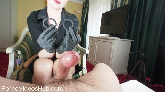 Lady_Victoria_in_Cock_comparison_and_horny_cockrings_ruined_orgasm.mp4.00008.jpg