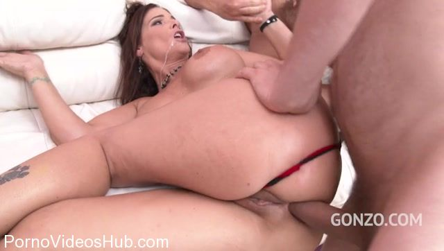 LegalPorno_presents_Busty_MILF_Syren_De_Mer_back_to_Gonzo_with_DP__DAP___her_first_triple_penetration_SZ1906_-_23.11.2017.mp4.00005.jpg