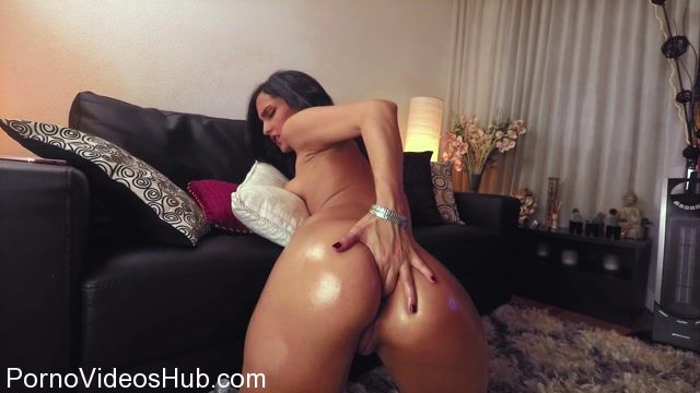 ManyVids_presents_CrazyBella_-_1_Hour_Extreme_Anal_Play_9_Inch_Anal_Toy.mp4.00004.jpg