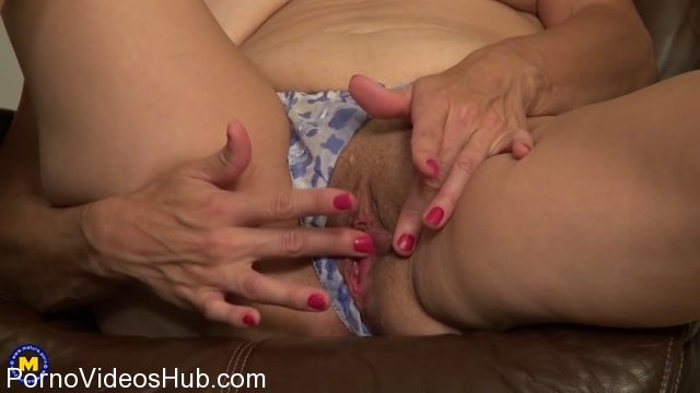 Mature.nl_presents_Indigo__47__in_American_housewife_playing_with_herself_-_18.11.2017.mp4.00008.jpg