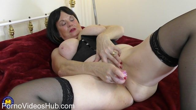 Watch Online Porn – Mature.nl presents Lady Jane (EU) (63) in British curvy lady Jane playing with herself – 20.11.2017 (MP4, FullHD, 1920×1080)