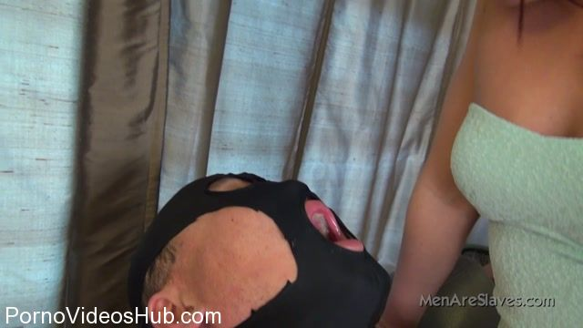 Men_Are_Slaves_presents_Dommes_Mischa_in_From_Mischas_Mouth.mp4.00009.jpg