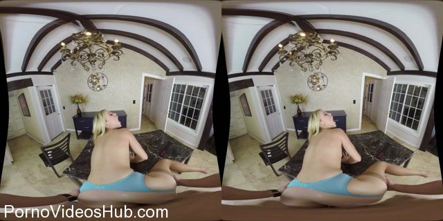 Milfvr_presents_Laura_Bentley_in_Stepmommy_Knows_Best_-_23.11.2017.mp4.00012.jpg