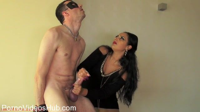 Mistress_Ezada_Sinn_in_Aiming_for_the_heart.mp4.00010.jpg