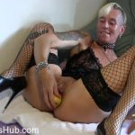 MyDirtyHobby presents lady-isabell666 in Apple insertion