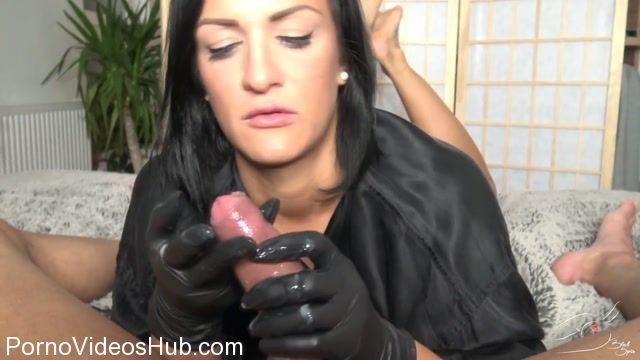 Mydirtyhobby_presents_BlackSophie_in_20cm_Handarbeit.flv.00014.jpg