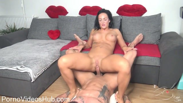 Mydirtyhobby_presents_BlackSophie_in_Schau_mir_in_die_Locher_Baby.flv.00009.jpg