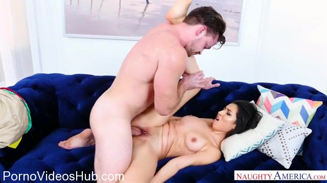 Watch Online Porn – NaughtyAmerica – MyFriendsHotGirl presents Elle Monela 23517 – 25.11.2017 (MP4, SD, 640×360)