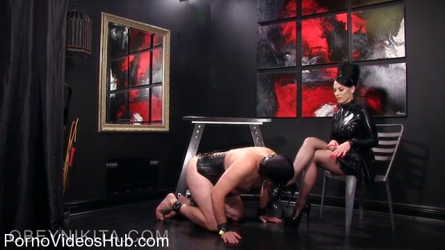 Watch Free Porno Online – Obey Nikita presents Mistress Nikita in Suffer For My Hose and Heels (MP4, HD, 1280×720)