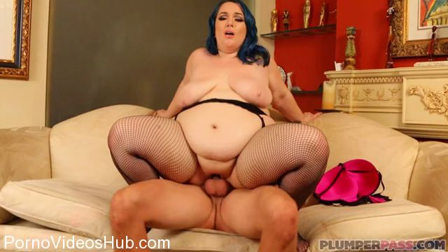 Plumperpass_presents_Alexxxis_Allure_in_Cyber_Sex_Match_-_15.11.2017.mp4.00009.jpg