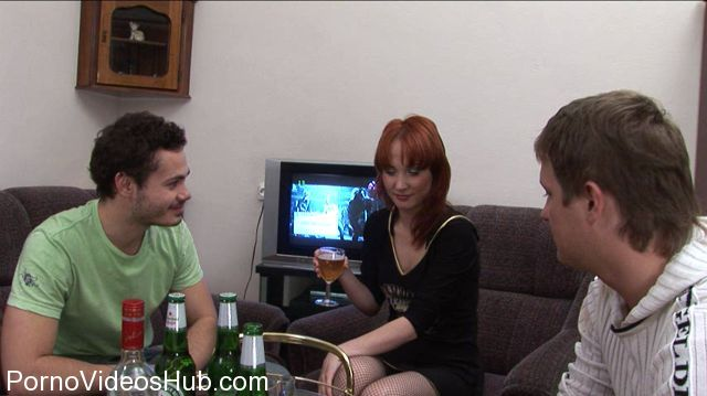 RealDrunkenGirls_presents_Full_HDV_Super_Nancy-1.wmv.00002.jpg