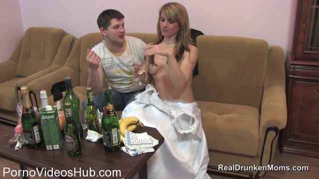 RealDrunkenMoms_presents_Masha.mov.00005.jpg