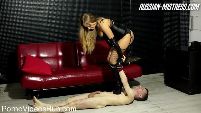 Watch Online Porn – Russian-Mistress presents Mistress Gianna in Foot Worship (MP4, FullHD, 1920×1080)