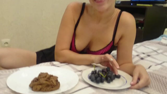 Scatshop_presents_Brown_wife_-_I_eat_many_grapes_with_shit.mp4.00003.jpg