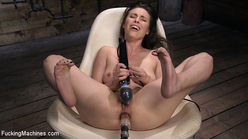 1_FuckingMachines_presents_All_Natural_Sex_Kitten_Casey_Calvert_takes_on_Anal_Fucking_Machines__-_20.12.2017.jpg