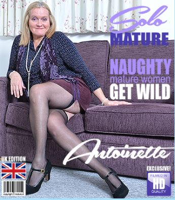 1_Mature.nl_presents_Antoinette__EU___63__in_British_mature_lady_playing_with_herself_Antoinette_-_26.12.2017.JPG
