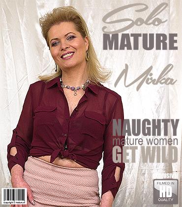 1_Mature.nl_presents_Mirka_J.__47__in_naughty_housewife_Mirka_playing_with_herself_-_22.12.2017.jpg