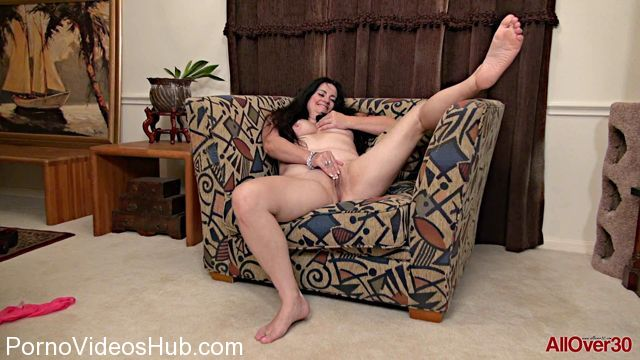 Allover30_presents_Victoria_Powers_46_years_old_Mature_Pleasure_-_13.12.2017.mp4.00009.jpg