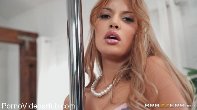 Brazzers_-_MommyGotBoobs_presents_Mercedes_Carrera_in_This_Week_Only_-_12.12.2017.mp4.00000.jpg