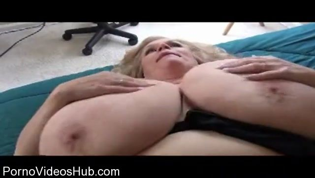 Watch Online Porn – Clips4Sale presents Suzie Q aka Suzie 44K in Huge Boobs Jiggles (MP4, SD, 720×406)