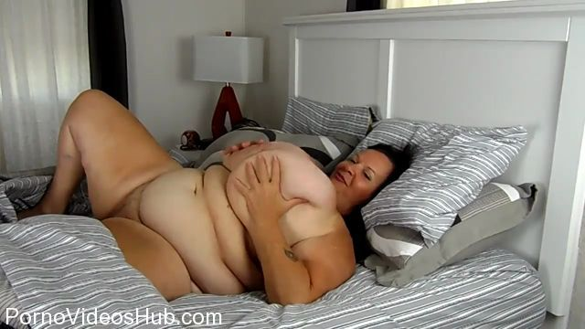 Watch Online Porn – Clips4Sale presents Suzie Q aka Suzie 44K in Suzy Has A Wet Dream (MP4, HD, 1280×720)