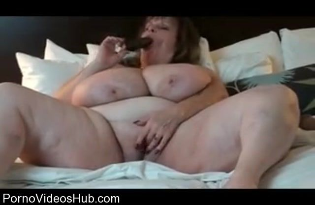 Clips4Sale_presents_Suzie_Q_aka_Suzie_44K_in_Suzy_s_Fan_Appreciation_Orgasm.mp4.00009.jpg
