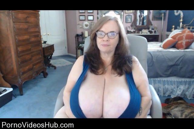 Clips4Sale_presents_Suzie_Q_aka_Suzie_44K_in_Webcam_2.mp4.00008.jpg