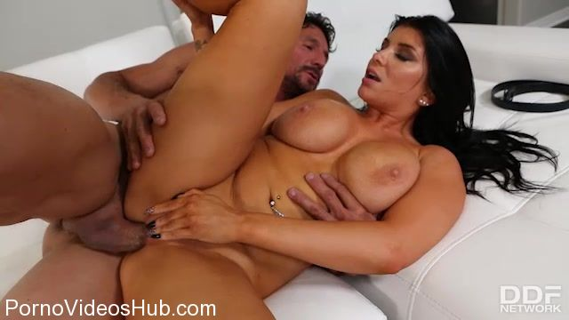 Watch Online Porn – DDFNetwork – HandsOnHardcore presents Romi Rain in Stud Cums On Massive Titties – 27.12.2017 (MP4, SD, 640×360)