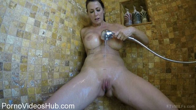 FTVMilfs_presents_Reagan_in_Celebrating_sex_-_Mature_Seduction_5.mp4.00007.jpg