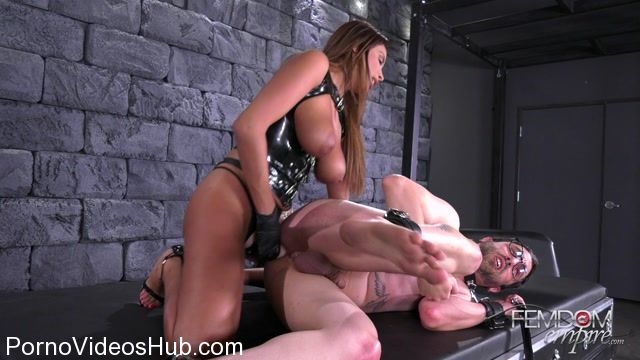 FemdomEmpire_presents_Anissa_Kate_in_Fucked_by_the_French_-_13.12.2017.mp4.00011.jpg