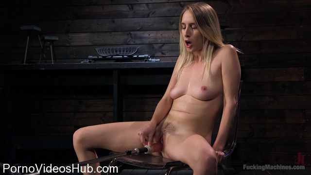 California girl squirts everywhere 3
