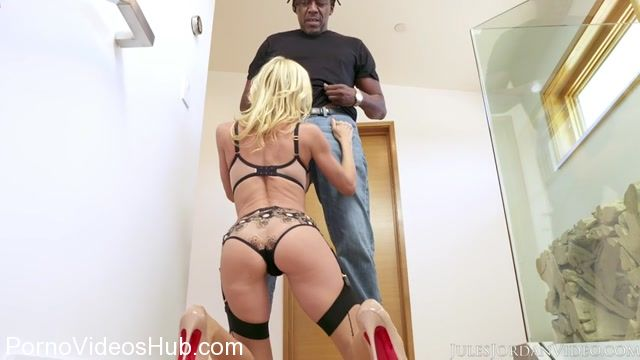 Watch Online Porn – JulesJordanvideo presents Alexis Fawx (MP4, SD, 854×480)