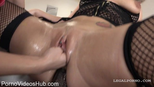 LegalPorno_presents_Ally_Style___Licky_Lex_-_two_bitches_going_crazy_for_fist_in_the_pussy_and_two_cocks_in_the_ass_Part_1_IV135_-_15.12.2017.mp4.00006.jpg