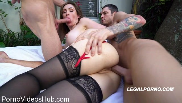 LegalPorno_presents_Super_hot_squirting_Milf_Yasmin_Scott_begging_to_be_on_LegalPorno_____DP_DBJ_SQUIRTING_BALLS_DEEP_AA002_-_13.12.2017.mp4.00008.jpg